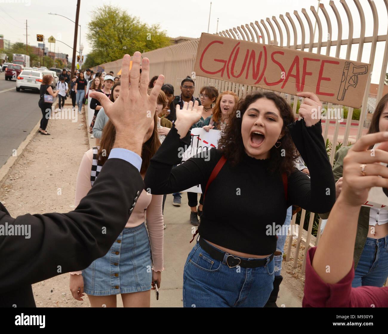 Teen Guns Stock Photos & Teen Guns Stock Images