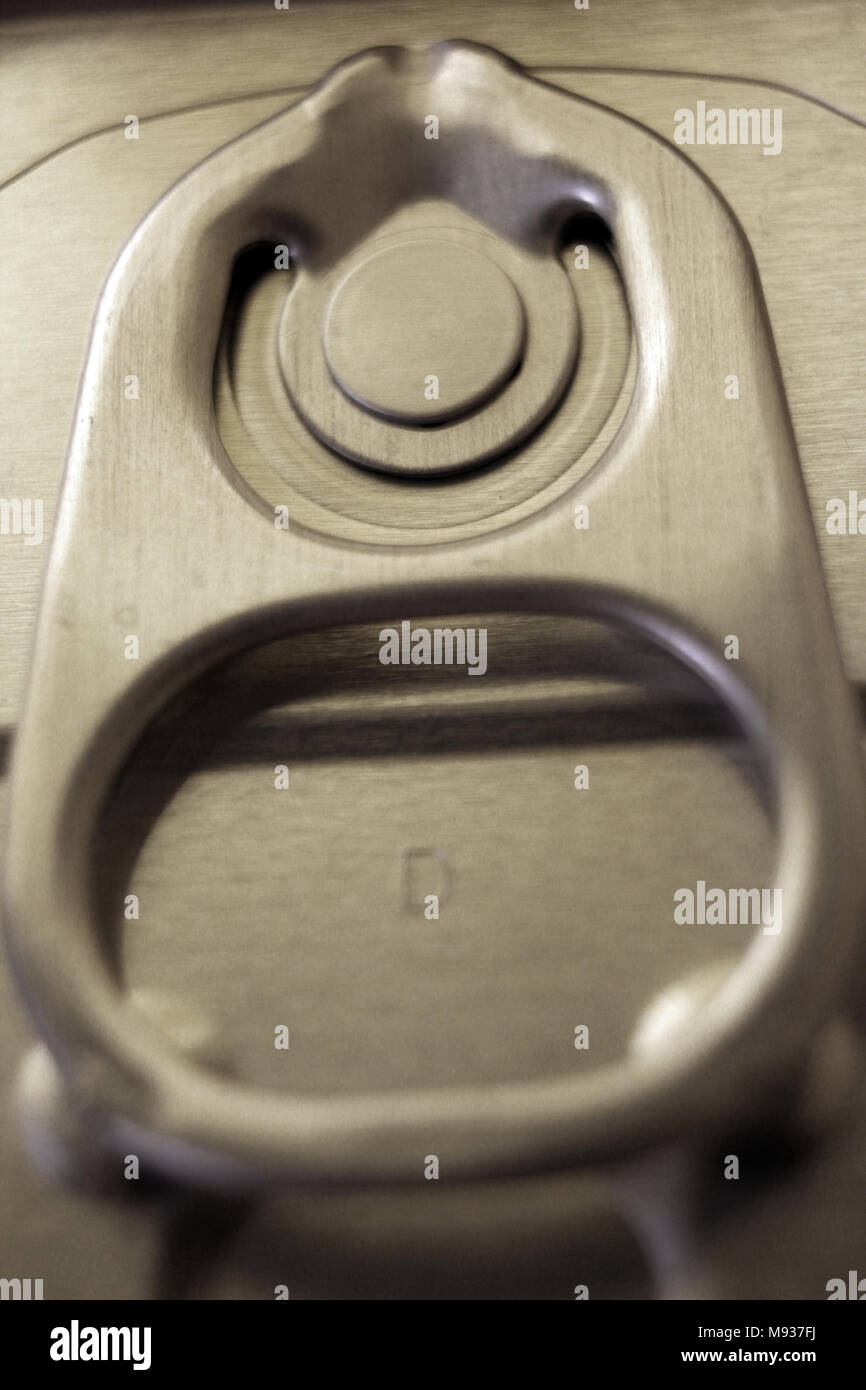Food can can aperture ring close up - Stock Image