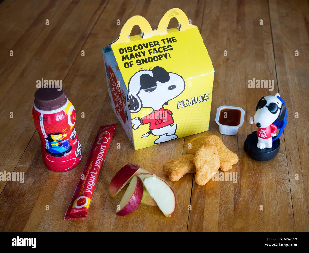 Mcdonalds Mcdonalds Packaging Stock Photos & Mcdonalds ...
