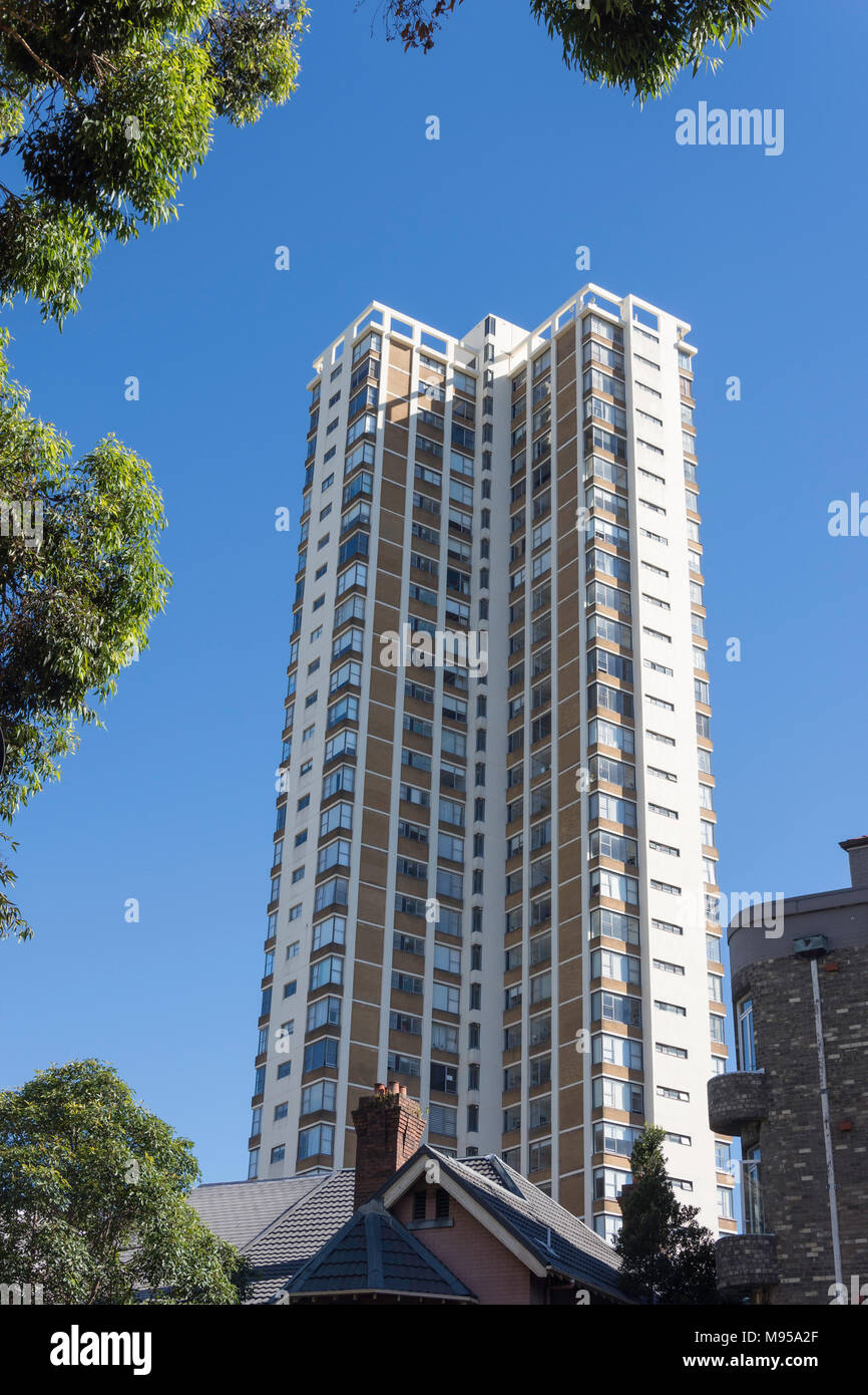 High-rise apartment building from New South Head Road, Edgecliff, Sydney, New South Wales, Australia - Stock Image