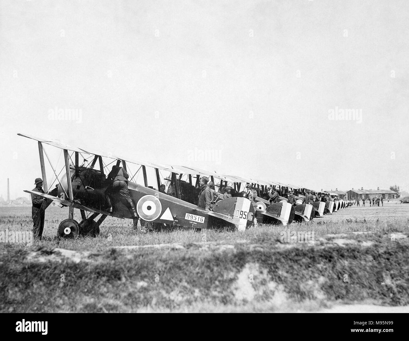 Sopwith Camel. Sopwith Camel F.1 aircraft of the 148th American Aero Squadron in France, August 1918. - Stock Image