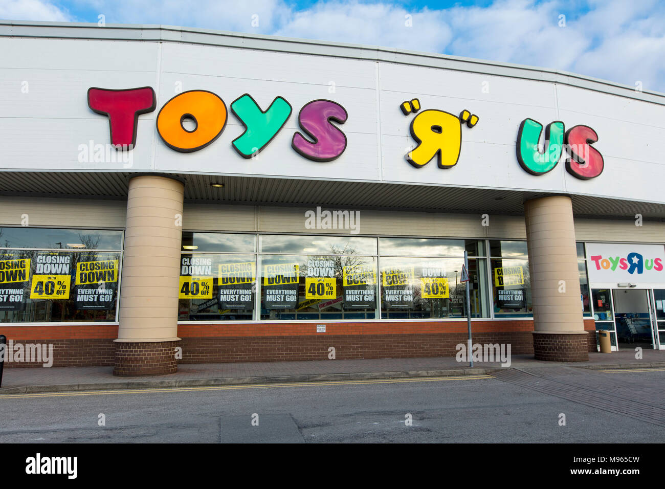 Closing Down Signage On A Toys R Us Store In Lincoln Lincolnshire
