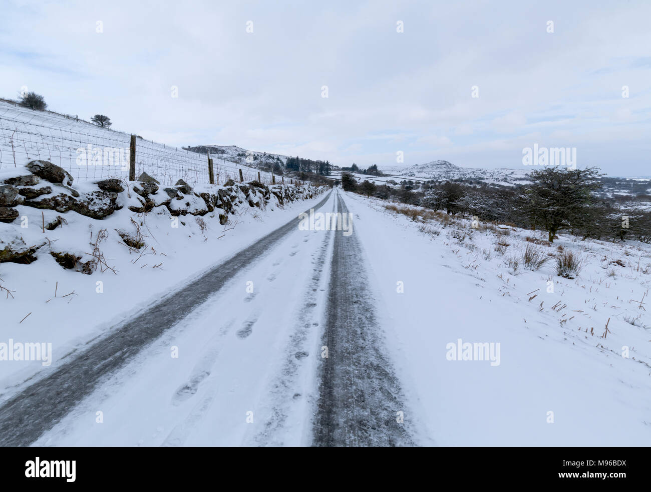 Moorland road between Minions and Henwood on Bodmin Moor - Stock Image
