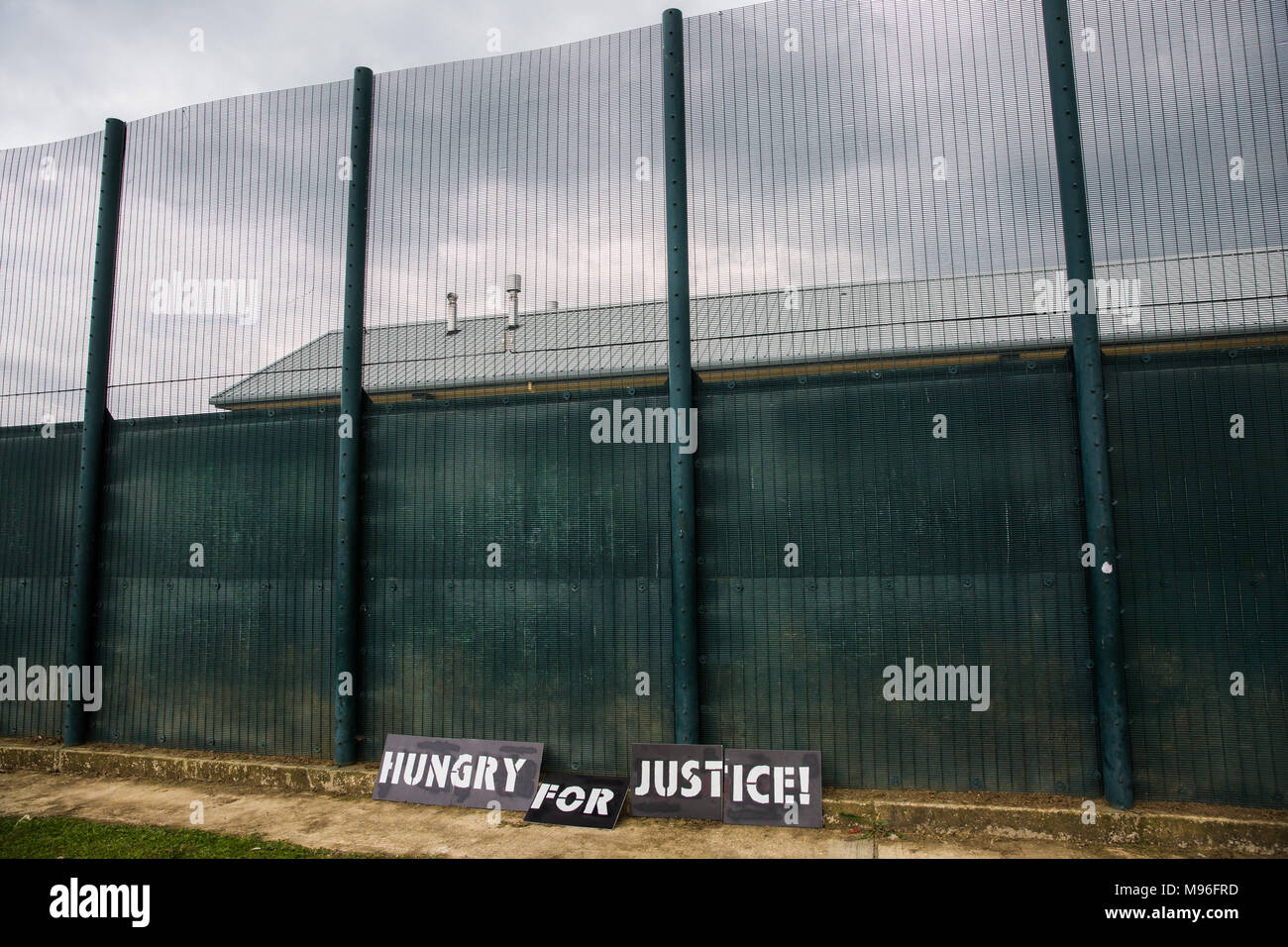 Milton Ernest, UK. 13th May, 2017. Signs used by campaigners against immigration detention protesting outside Yarl's Wood Immigration Removal Centre. - Stock Image