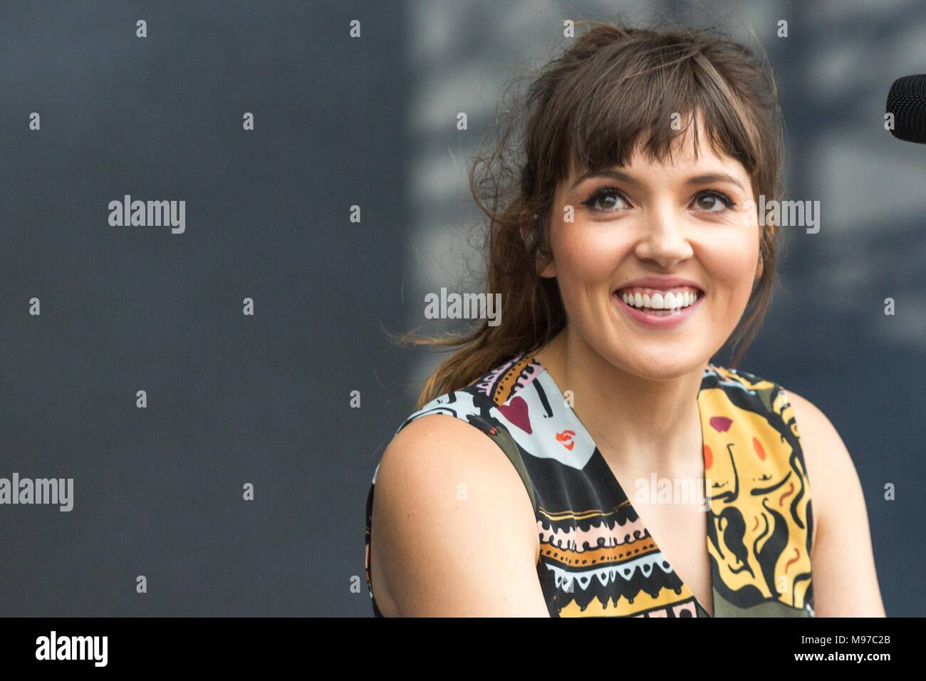 Sao Paulo, Brazil. 23rd Mar, 2018. Oh Wonder performs during the first day of Lollapalooza  Brazil 2018 at Autódromo de Interlagos,  on March 23, 2018 in São Paulo, Brazil. (Photo by Adriana Spaca) Credit: Adriana Spaca/Alamy Live News - Stock Image