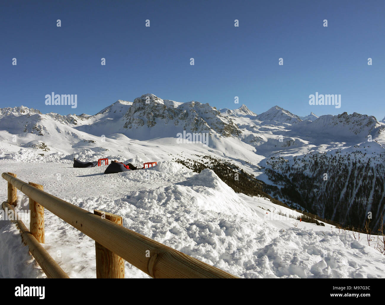 The swiss ski and linked resort of St Luc and Chandolin in the Valais region of Switzerland.  Looking towards the Matterhorn and Mont Cervin Stock Photo