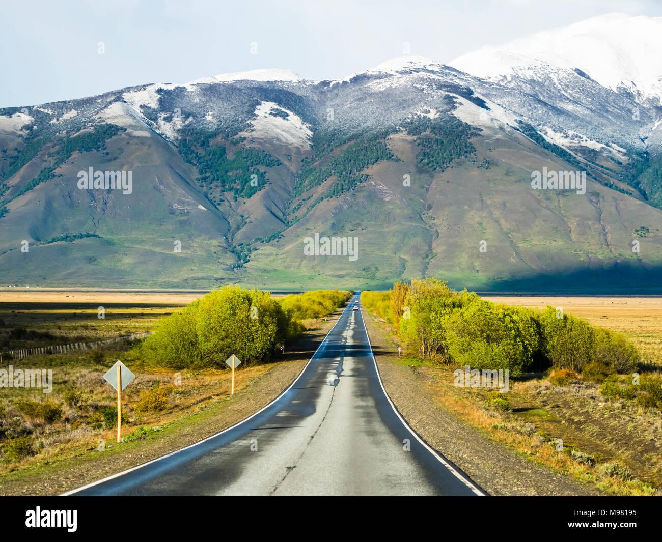 Argentina, Patagonia, El Calafate, Santa Cruz Province, road near Lago-Argentino - Stock Image