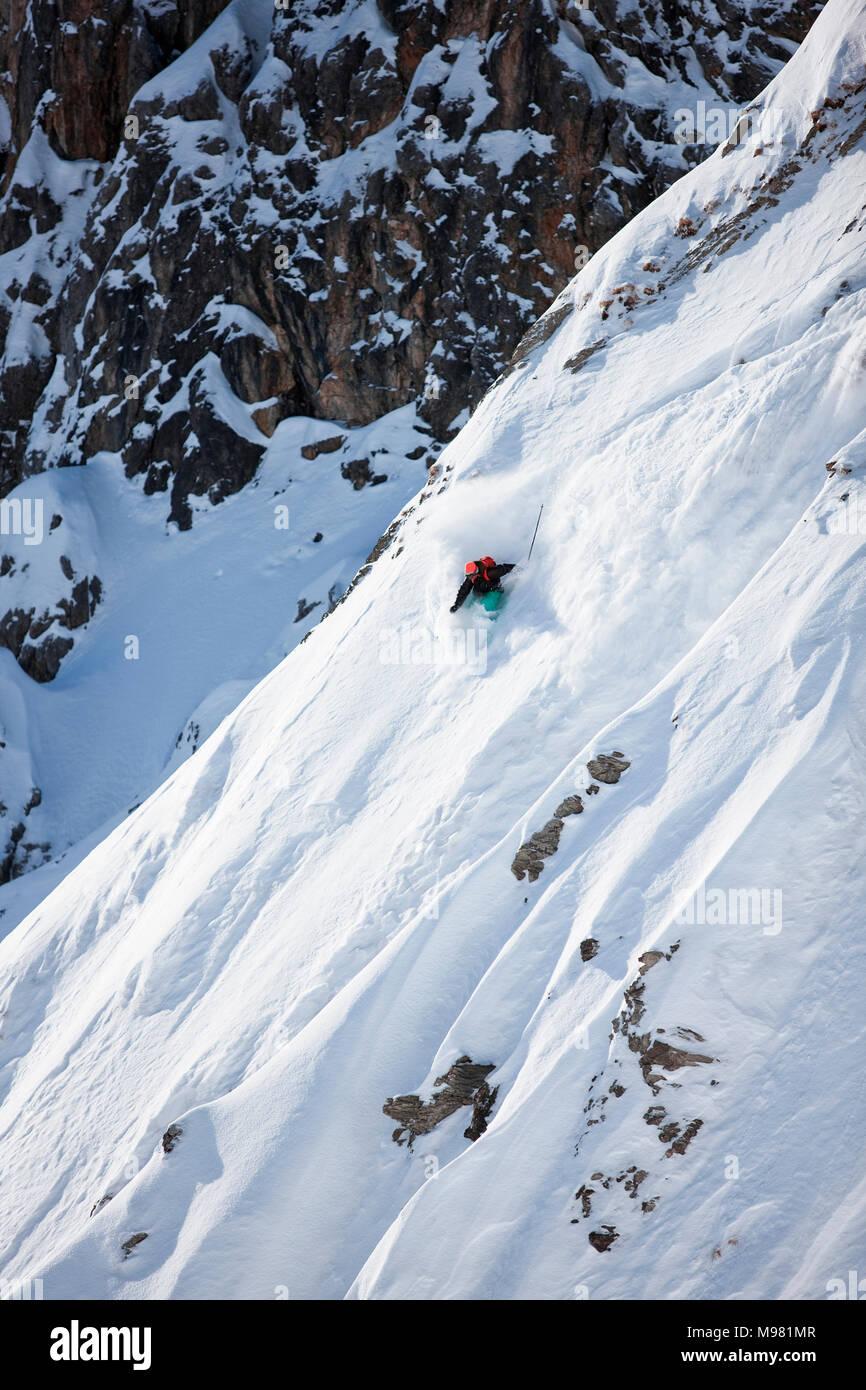 Austria, Tyrol, Arlberg, skier on a freeride in powder snow Stock Photo