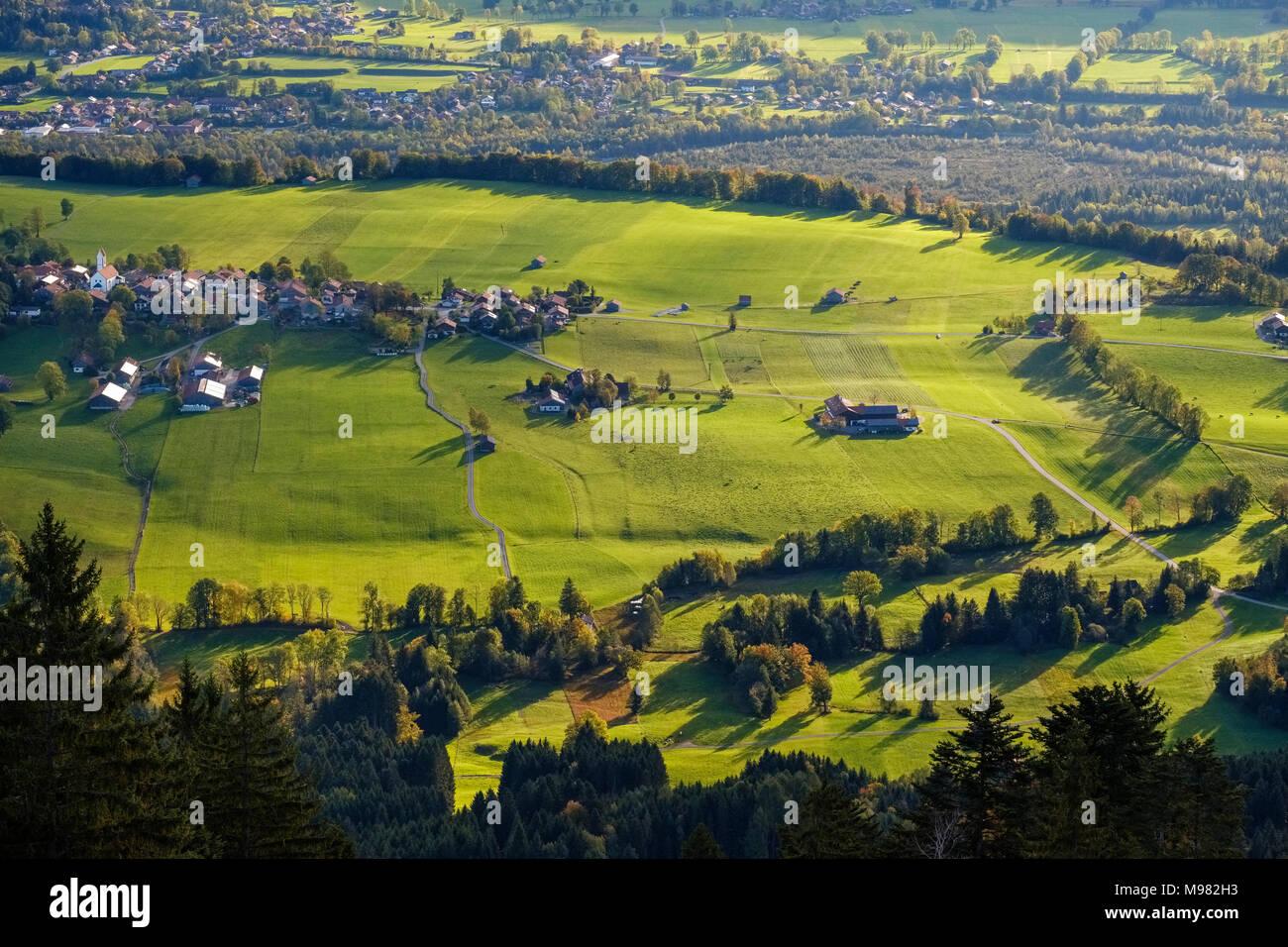Wackersberg, Ausblick vom Blomberg, Isarwinkel, Oberbayern, Bayern, Deutschland - Stock Image
