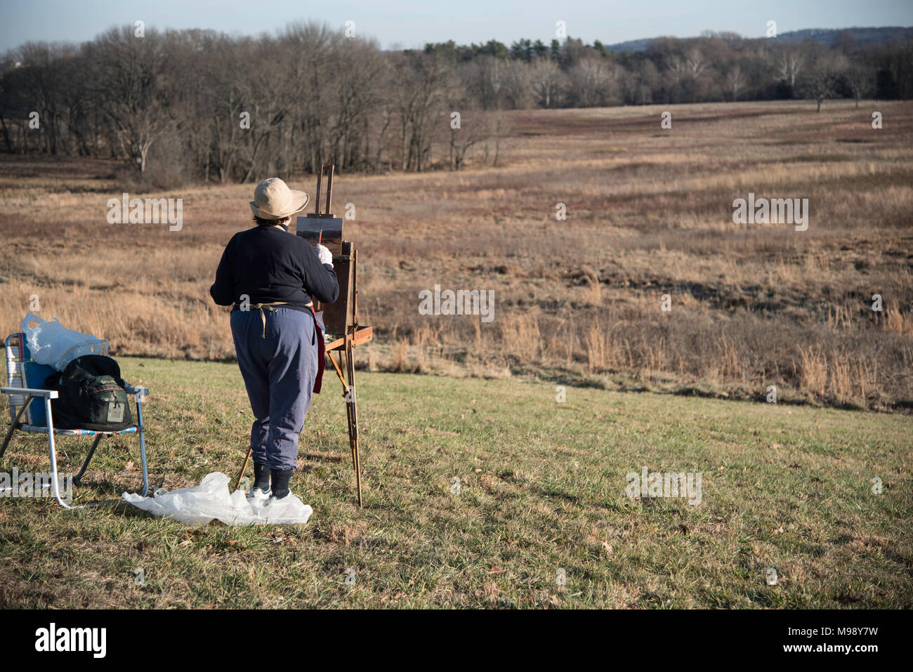 VALLEY FORGE, PENNSYLVANIA/USA - December 27, 2014 Artist painting the scenery at Valley Forge National Historical Park - Stock Image