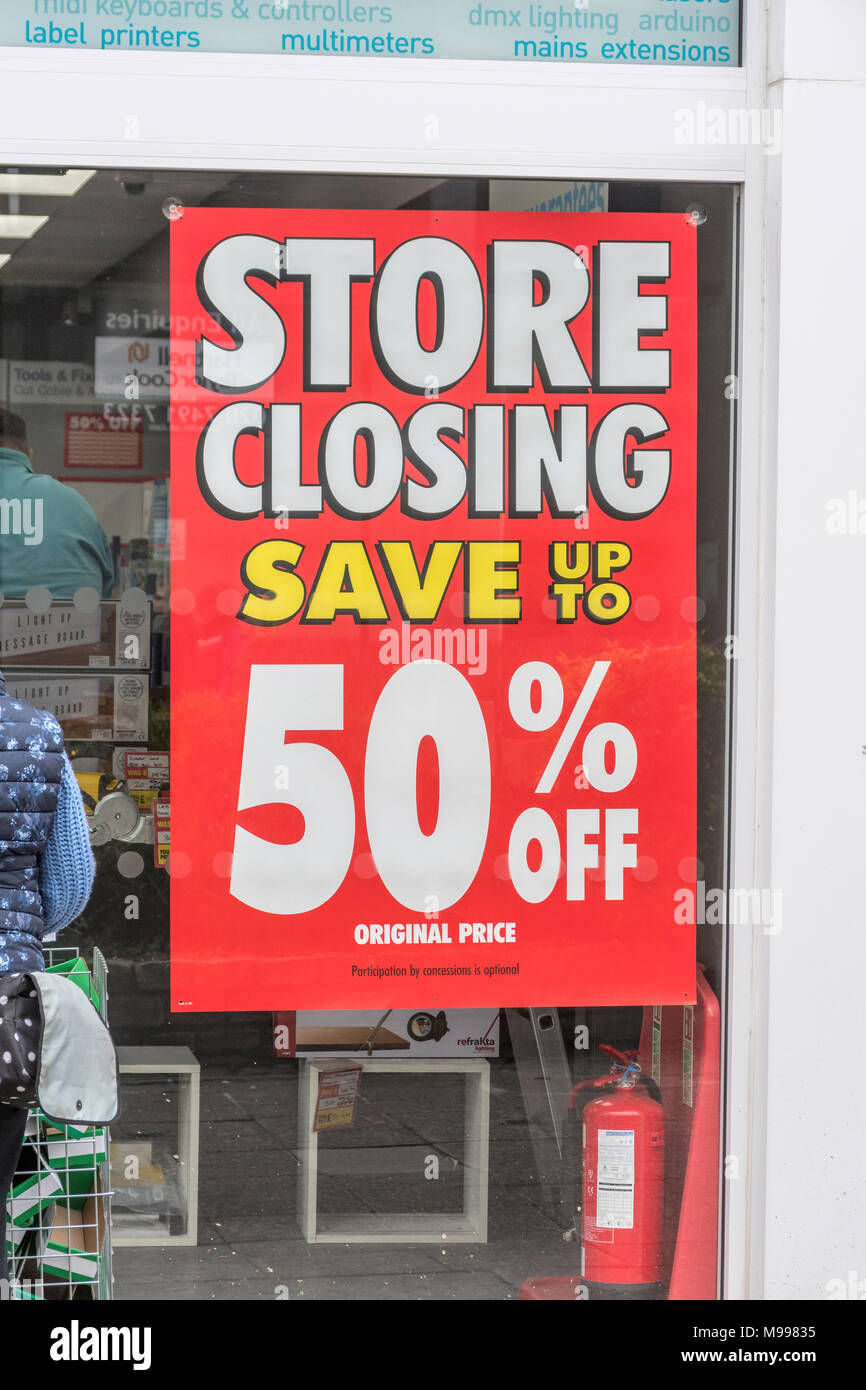 Shop closing down sign at Maplin store in Plymouth, Devon, after announcing closure of all stores. Metaphor for struggling high street retailers. - Stock Image