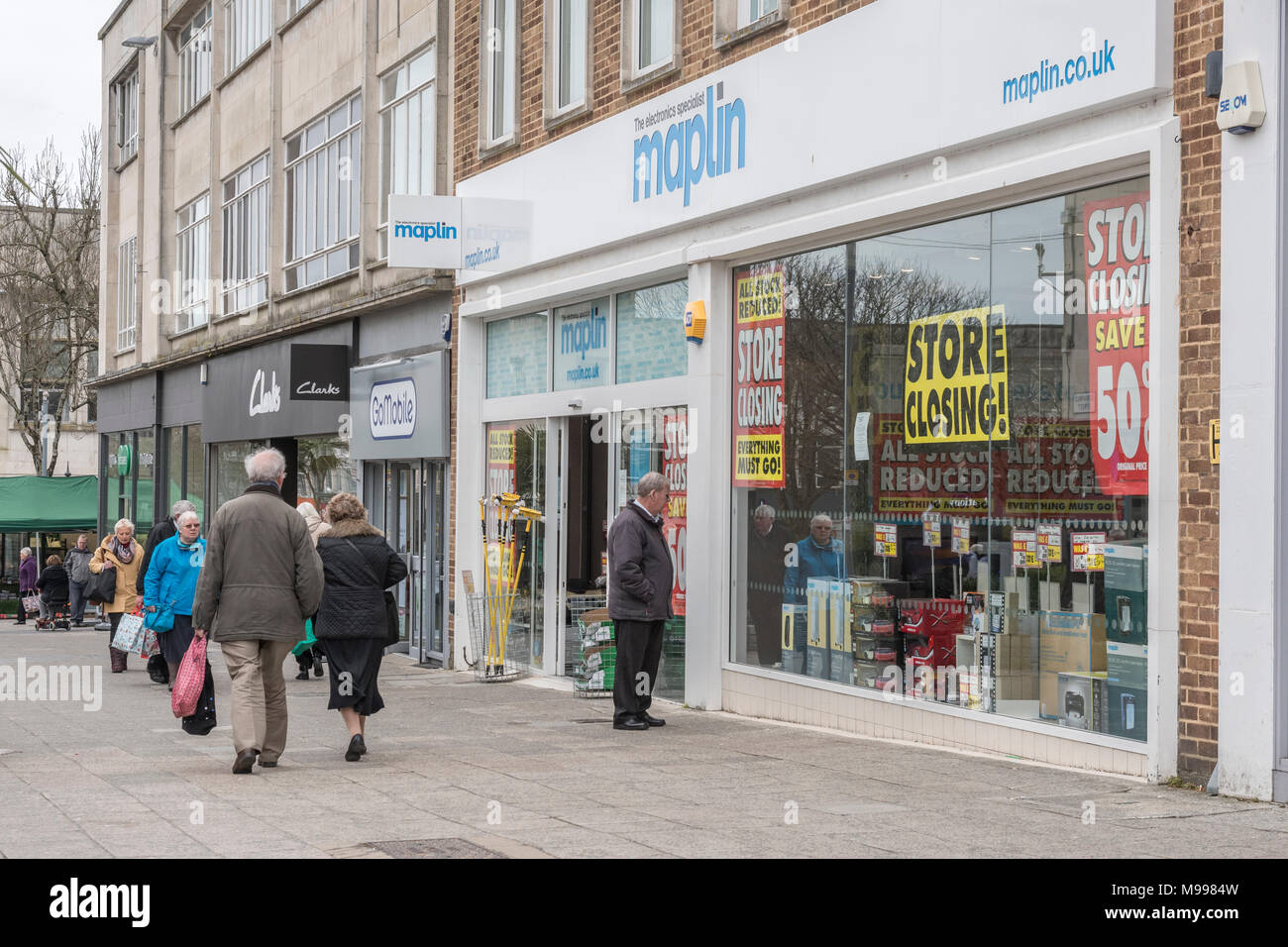 Maplin Plymouth after announcing all stores closing. Metaphor - struggling retailers, high street crisis, company administration, death of high street Stock Photo
