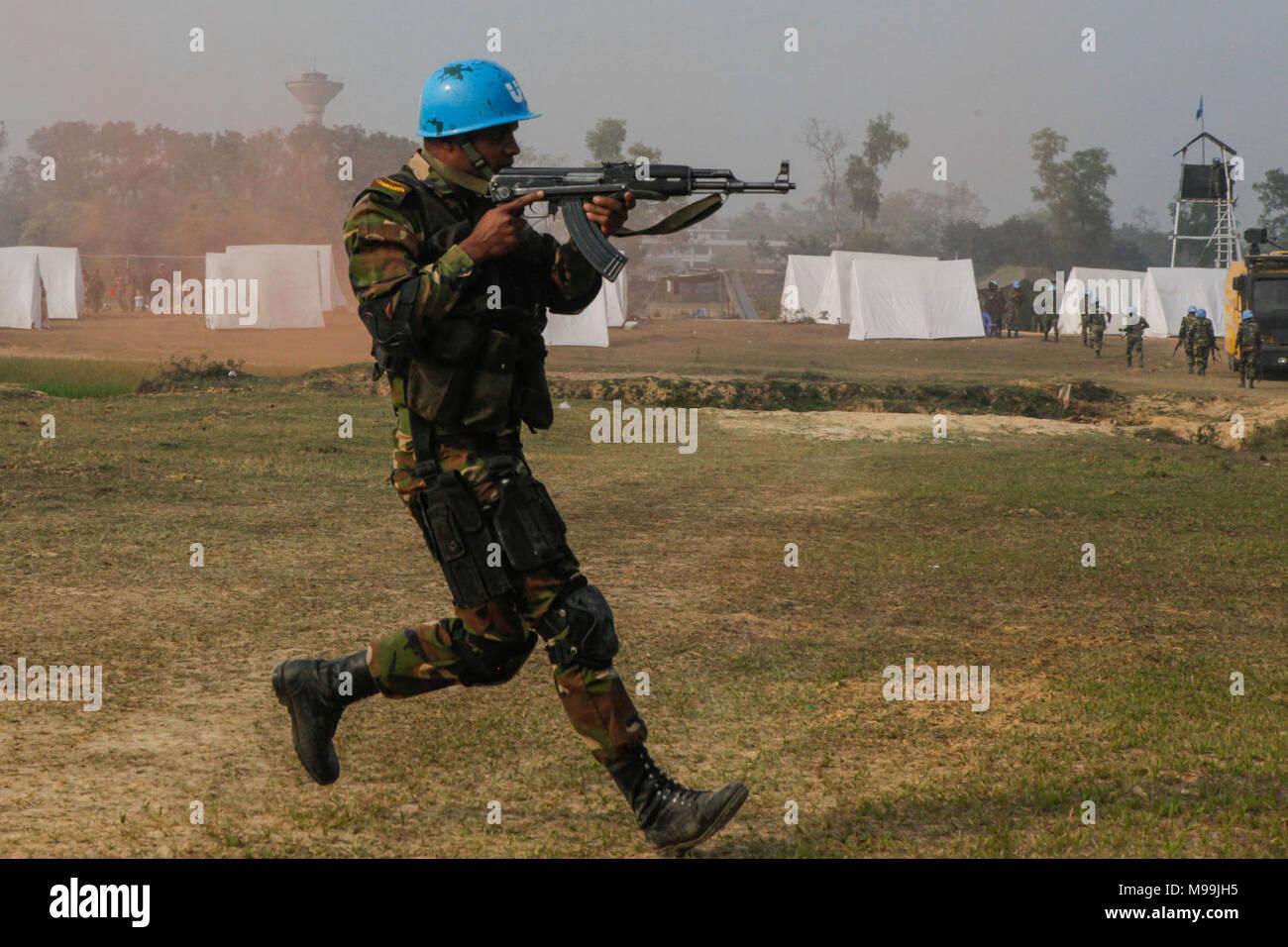 29ab4667574b A Bangladesh Army soldier of the Para-Commando Brigade runs to secure a  drop zone