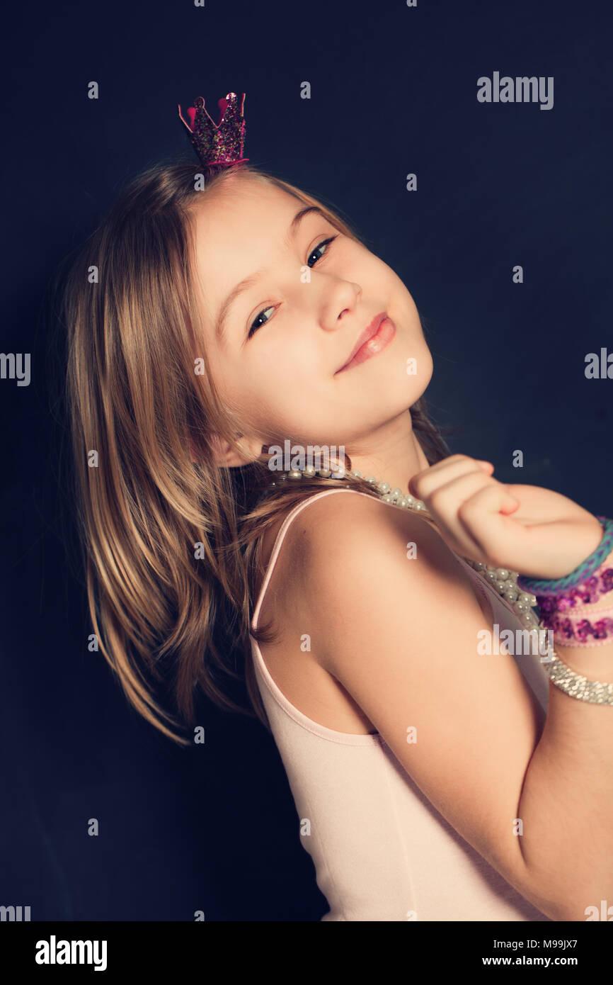 Fashion Teen Model Jewelry Stock Photos & Fashion Teen