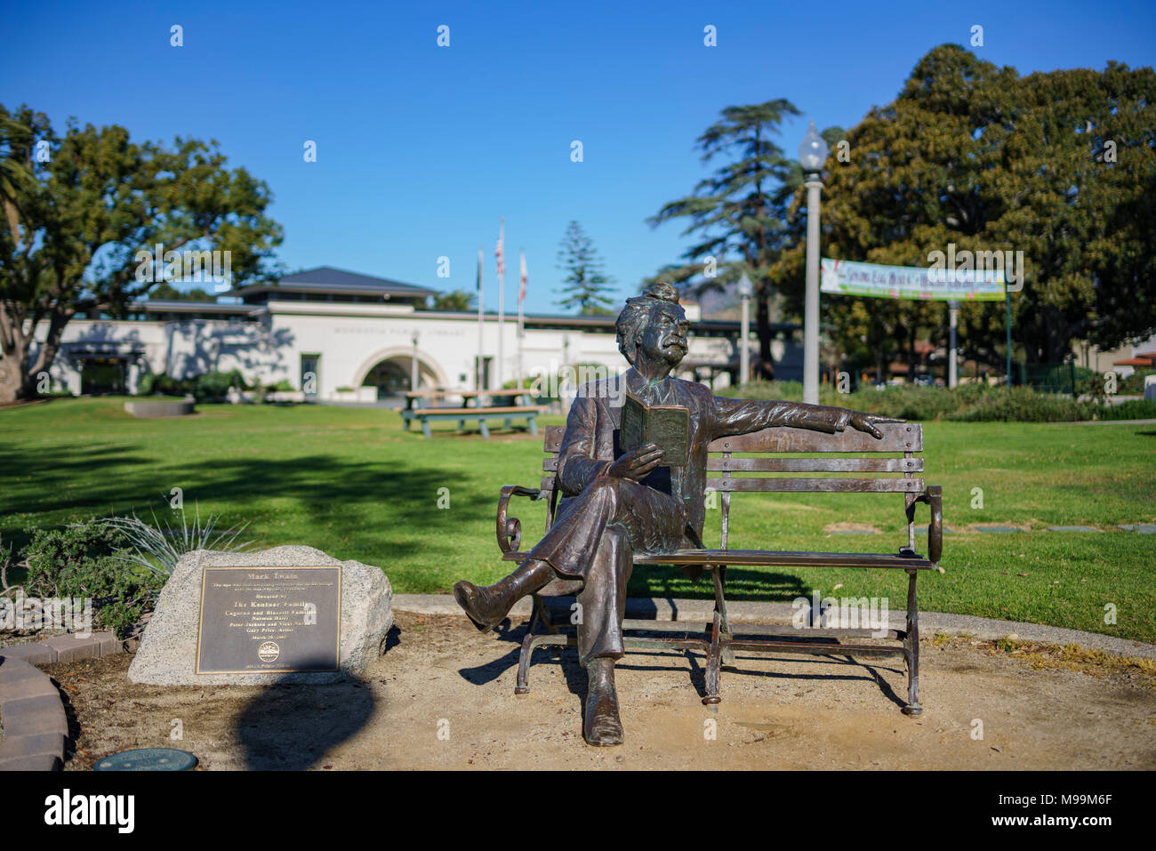 Monrovia, MAR 19: Exterior view of the Monrovia Library and Mark Twain statue on MAR 19, 2018 at Los Angeles County, California - Stock Image