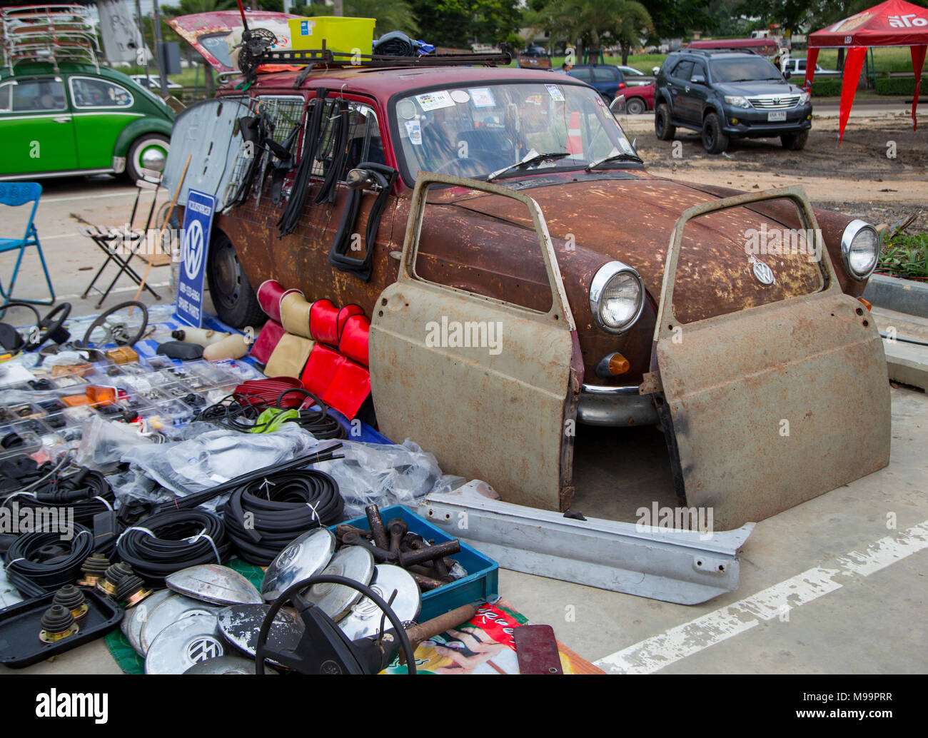 Spare Parts Sale Vintage Car Stock Photos & Spare Parts Sale Vintage ...