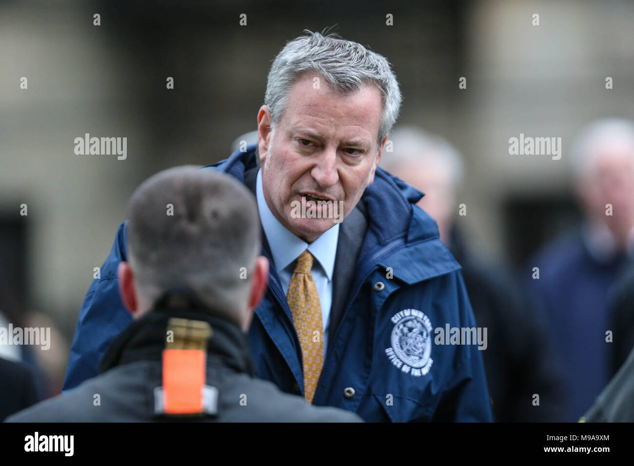New York, New York, U.S. - Bill de Blasio Mayor of New York during a visit to the building that caught fire in Harlem on Manhattan Island in New York City on Friday afternoon, 23. The venue was used as a recording set for the director's ''Motherless Brooklyn'' Edward Norton. A firefighter died. Credit: William Volcov/ZUMA Wire/Alamy Live News - Stock Image