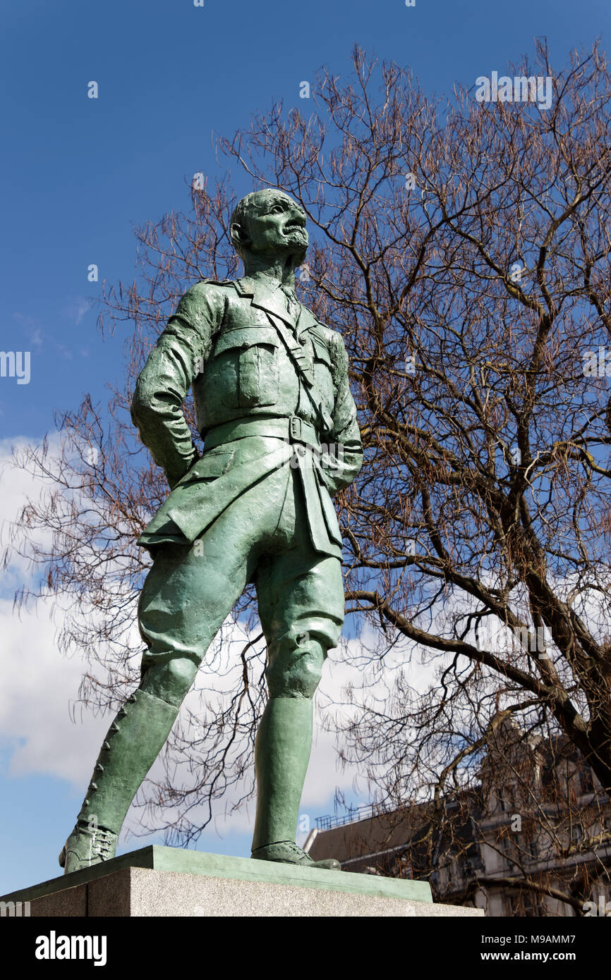 LONDON/UK - MARCH 21 : Statue of Ian Christian Smuts in London on March 21, 2018 - Stock Image