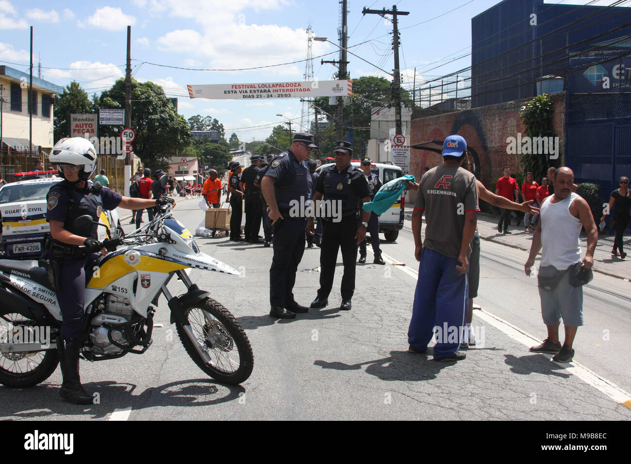 Brazil. 24th Mar, 2018. Local police confiscates foods, drinks and products during the event at Jose Carlos Pace Autodrome Interlagos. There were many policemen with their motorcycles, cars at the local to maintain order. Credit: Niyi Fote/Pacific Press/Alamy Live News Stock Photo