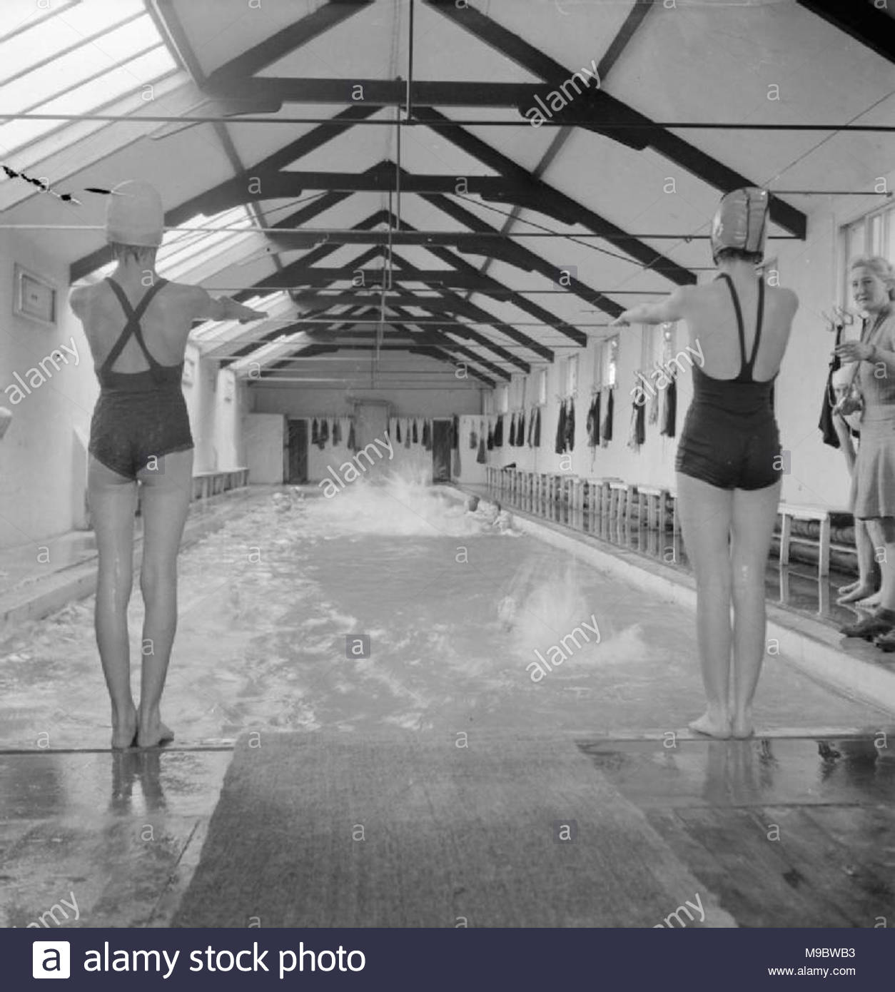 Dive Pool Black And White Stock Photos Images Alamy