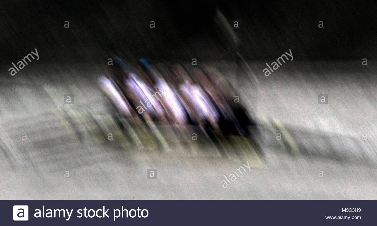 London, UK. 24th March, 2018. 24.03.2018 The University Womens Boat Race Oxford (dark blue) Vs Cambridge (light blue) on the River Thames between Putney to Mortlake Credit: Leo Mason sports photos/Alamy Live News - Stock Image