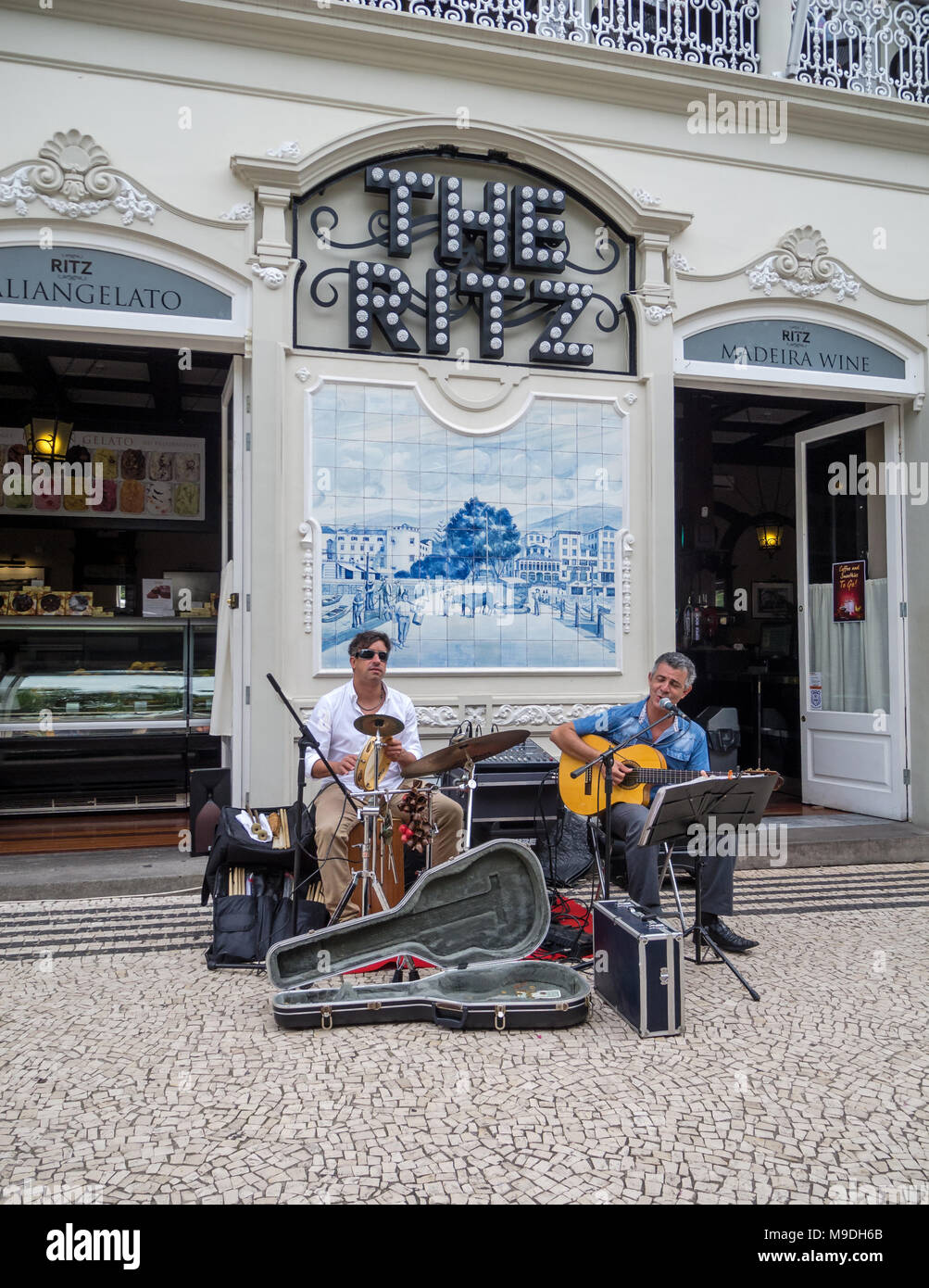 Musicians entertaining diners outside the famous Ritz Cafe, Funchal, Madeira - Stock Image
