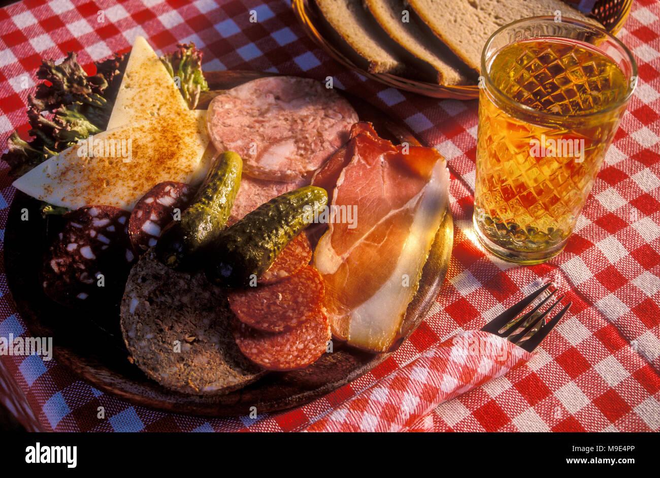 Rustikales Essen im Odenwald, Hessen, Deutschland - Stock Image