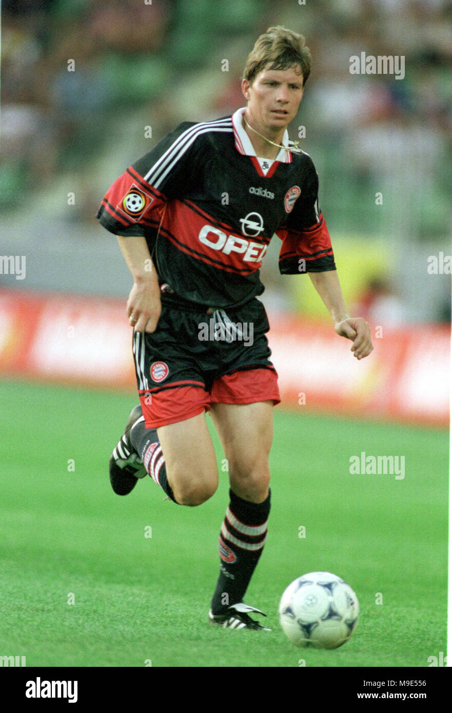 BayArena Leverkusen, Germany, 8.8.1998, German Liga-Cup Final, FC Bayern Munich vs VfB Stuttgart --- Michael TARNAT  (Munich) Stock Photo