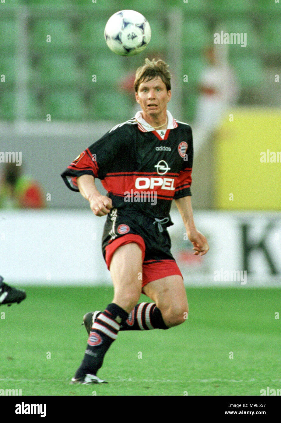 BayArena Leverkusen, Germany, 8.8.1998, German Liga-Cup Final, FC Bayern Munich vs VfB Stuttgart --- Michael TARNAT  (Munich) - Stock Image