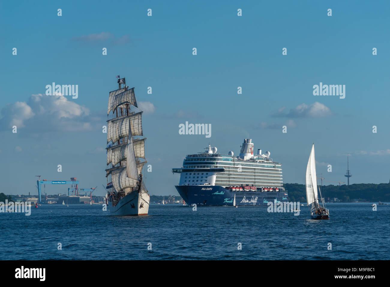 The cruiser 'Mein Schiff' is leaving Kiel Habour for the open Baltic Sea, Kiel Fjord, Kiel, Schleswig-Holstein, Germany, Europe - Stock Image