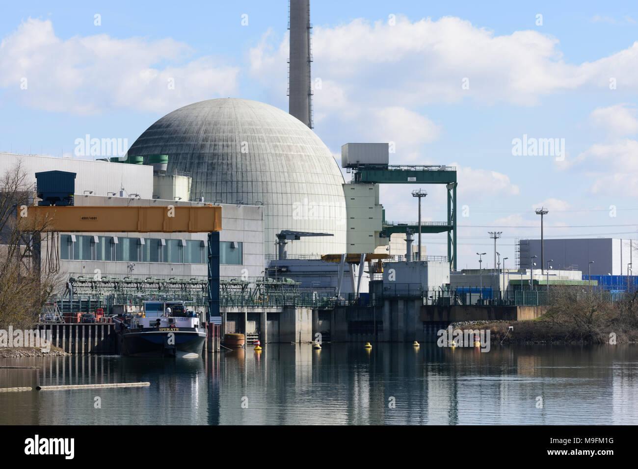 Philippsburg: Kernkraftwerk Nuclear power plant Philippsburg, oxbow lake Philippsburger Altrhein, Kraichgau-Stromberg, Baden-Württemberg, Germany - Stock Image