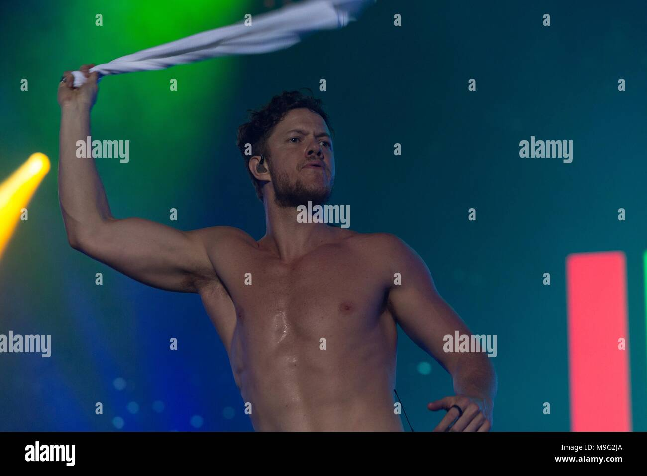 São Paulo, Brazil, 24 March 2018. Imagine Dragons performs during second day of Lollapalooza  Brazil 2018 at Autódromo de Interlagos,  on March 24, 2018 in São Paulo, Brazil. (Photo by Adriana Spaca) - Stock Image