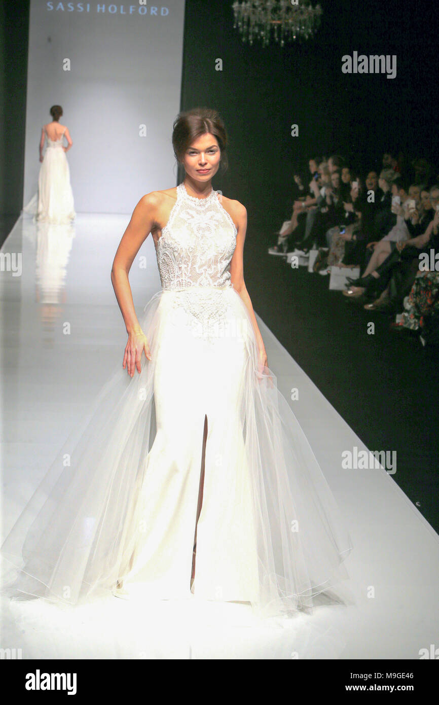 Wedding Dresses Personality Stock Photos & Wedding Dresses ...