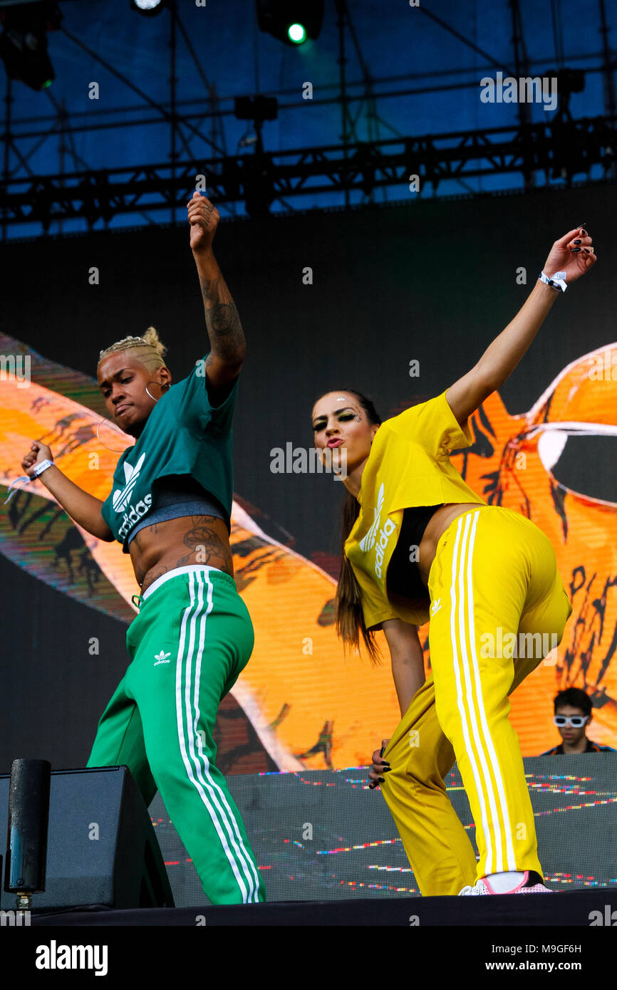 Sao Paulo, Brazill. 25th March, 2018.  Tropkillaz band show on Ax stage during the third day of Lollapalooza Brasil 2018 held at the Autodromo de Interlagos in São Paulo, SP. (Photo: Daniela Baek/Fotoarena) Credit: Foto Arena LTDA/Alamy Live News - Stock Image