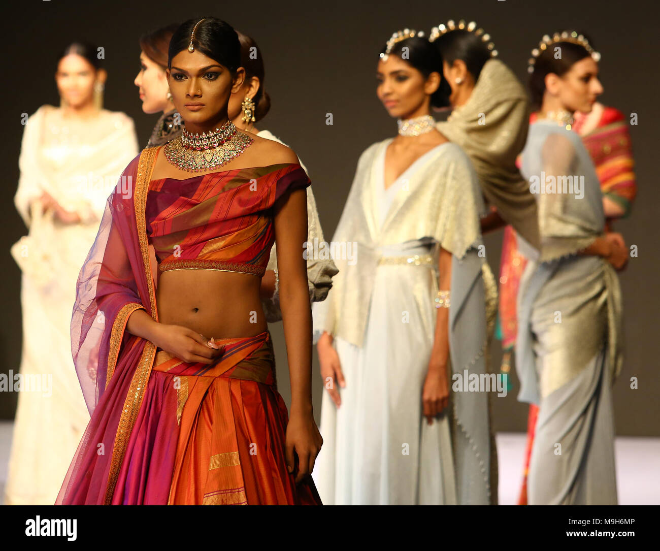 Models Display Creations By Indian Fashion Designer Tarun Tahiliani During The Colombo Fashion Week On March 25 2018 Photo By Pradeep Dambarage Pacific Press Stock Photo Alamy