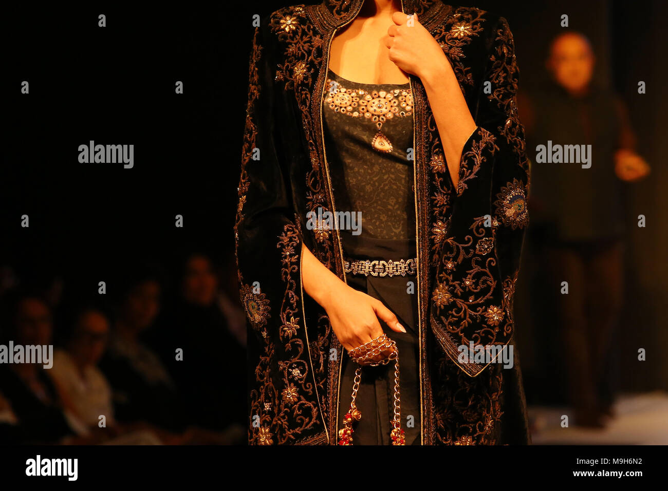 A Model Presents A Creation By Indian Fashion Designer Tarun Tahiliani During The Colombo Fashion Week On March 25 2018 Photo By Pradeep Dambarage Pacific Press Stock Photo Alamy