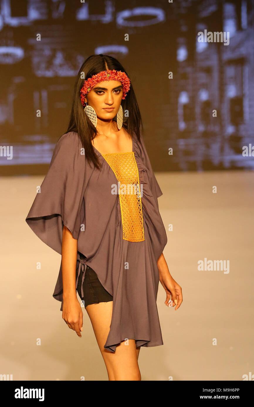 Sri Lanka 25th Mar 2018 A Model Presents A Creation By Fashion Designer Poorni Wijesinghe During