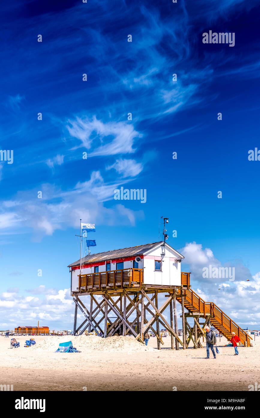 Deutschland, Schleswig-Holstein, St. Peter-Ording, Strand, Pfahl, Pfahlbauten - Stock Image