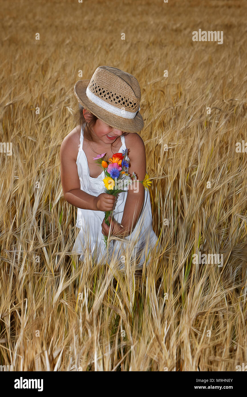 Girl in the cornfield - Stock Image