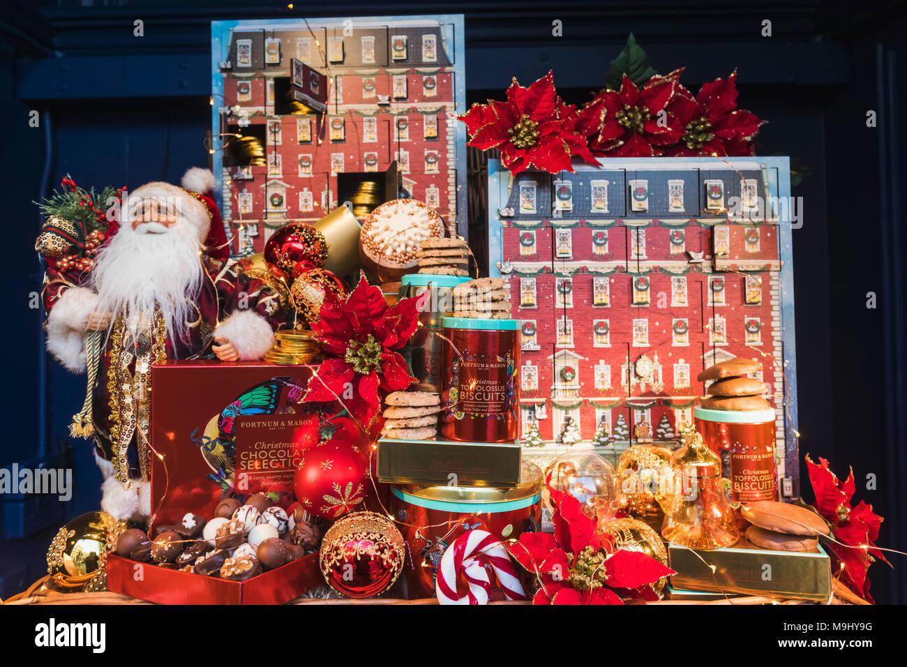 England London Piccadilly Fortnum Mason Store Christmas Window