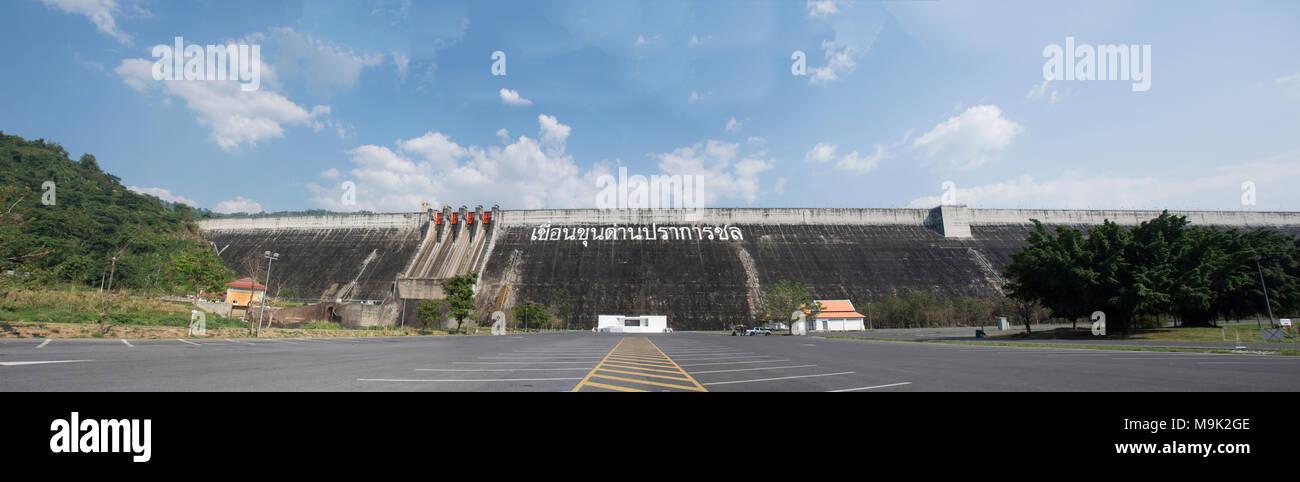 Khun Dan Prakan Chon Dam was formerly named Khlong Tha-Dan Dam is located at Ban Tha-Dan in Hin Tang subdistrict, Muang district in Nakhon Nayok, Thai - Stock Image