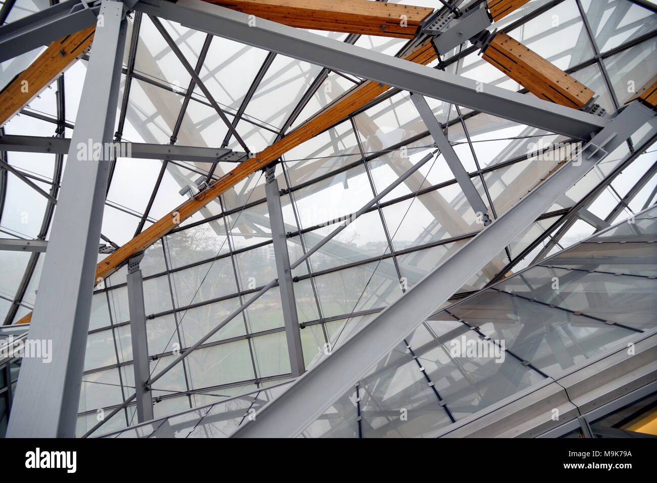 Glass Roof & Roof Structure of the Louis Vuitton Foundation Art Museum & Cultural Centre (2006-14) designed by Frank Gehry, Paris, France - Stock Image