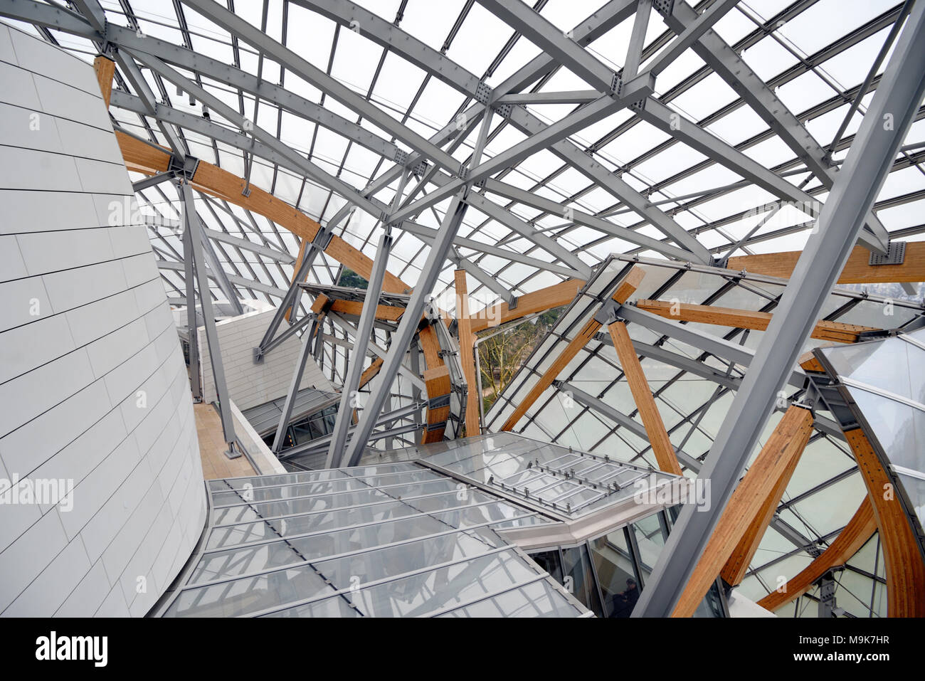 Roof Structure of the Louis Vuitton Foundation Art Museum & Cultural Centre (2006-14) designed by Frank Gehry, Paris, France - Stock Image