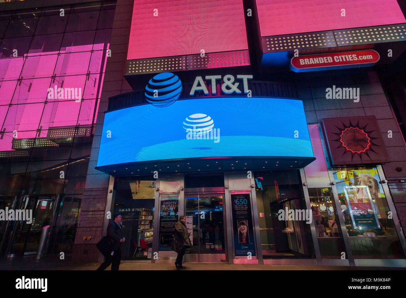 An AT&T store in Times Square in New York on Tuesday, March 20, 2018. The antitrust case against the AT&T acquisition of Time Warner went to trial this week. The ongoing saga of this acquisition has been going on for 17 months. (© Richard B. Levine) - Stock Image