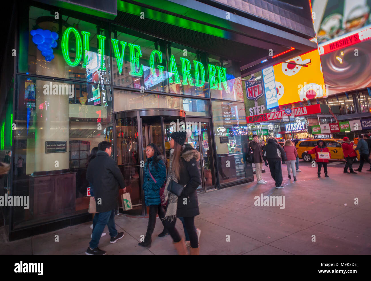 Darden restaurants stock photos darden restaurants stock images alamy Olive garden italian restaurant new york ny