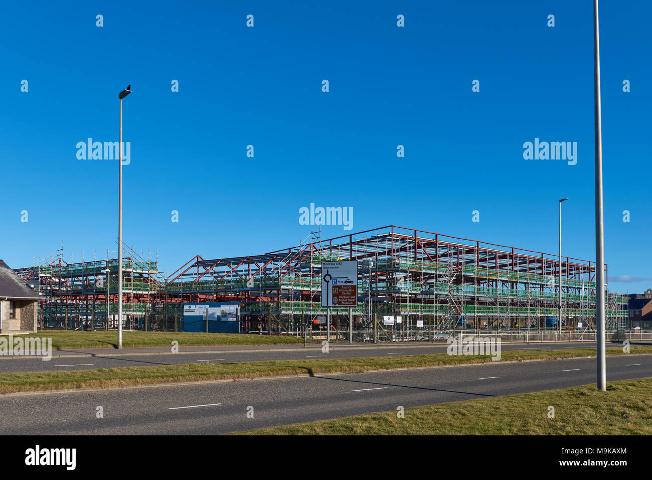 The new Ladyloan Primary School, designed by Nathan Miller Architects and built by Robertsons of Tayside, being built in Arbroath, Scotland. - Stock Image