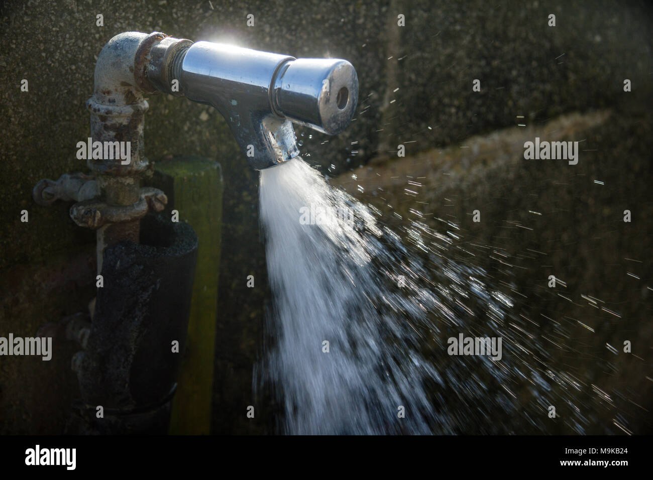 Outdoor Water Tap Stock Photos & Outdoor Water Tap Stock Images - Alamy