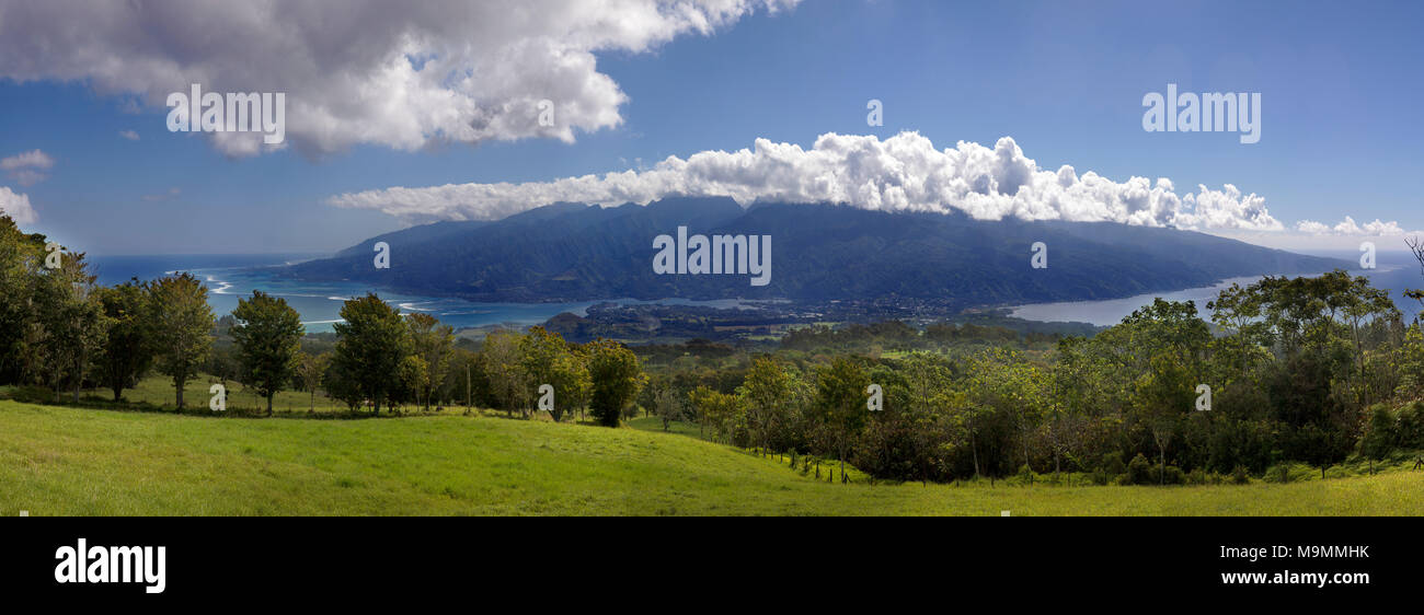 Viewpoint Belverdere de Plateau de Taravao, in the back Tahiti Nui, Tahiti Iti, Society Islands, Windward Islands - Stock Image