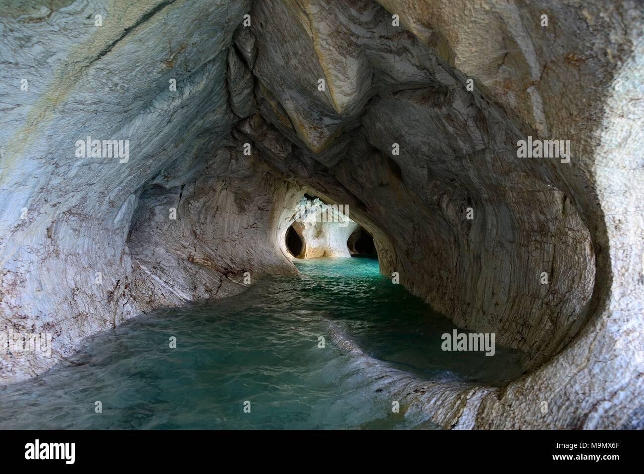 Bizarre rock formations of the marble caves, Cuevas de Marmol, Lago General Carrera, Puerto Rio Tranquilo, Región de Aysén - Stock Image