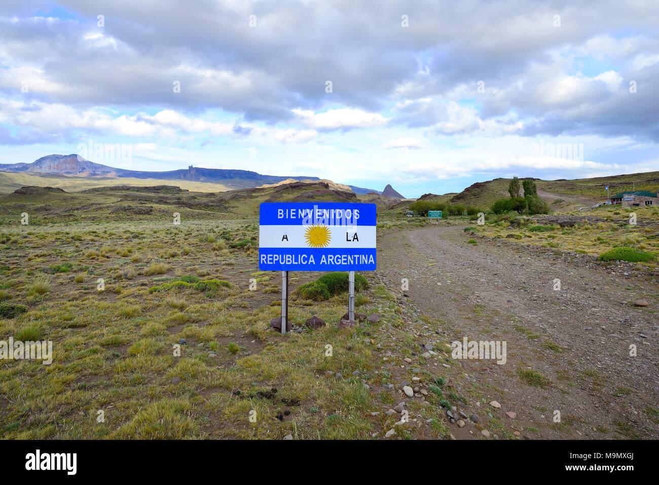 Border sign Argentina at Paso Roberto Roballos, Ruta 41, Province of Santa Cruz, Argentina - Stock Image
